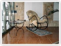Kovaný nábytek - křeslo a židle